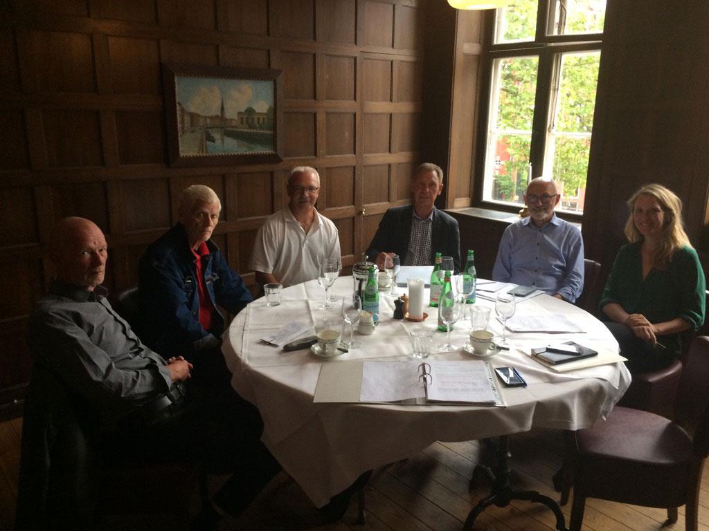 Henrik Stevnsborg, Frank Bøgh, Jørgen Jensen, Hans Bundesen, Karsten Petersen og Mette Volquartzen