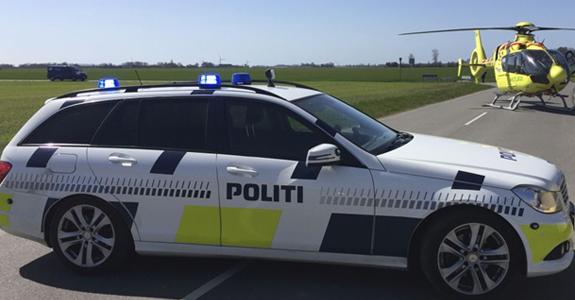 Politibil og politihelikopter