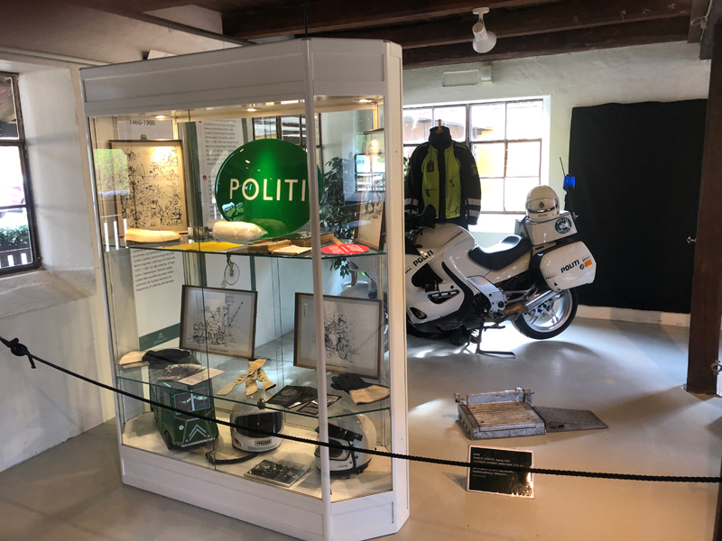 Oplev motorcykler og andre genstande fra færdselspolitiets verden på Egeskov Slot