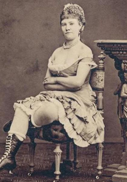 Det offentlige fruentimmer, Alma Eugenia Husted